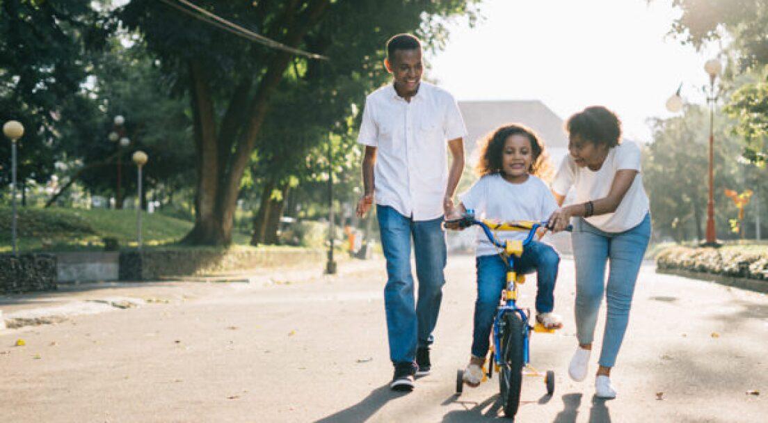 affection-bike-child-1128318-600x400.jpg
